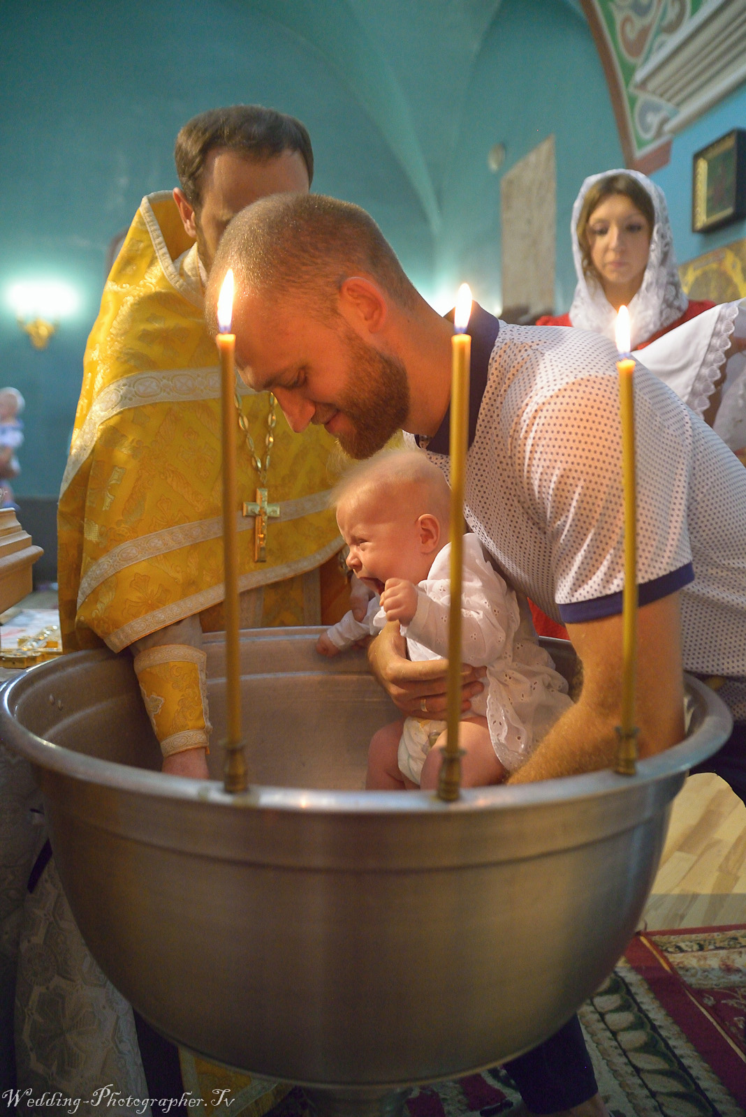 Крещение ребёнка в храме фото