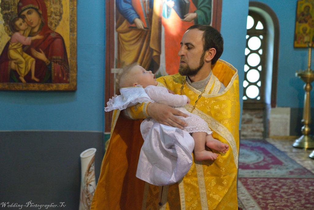 Крещение ребенка. Выдубицкий монастырь