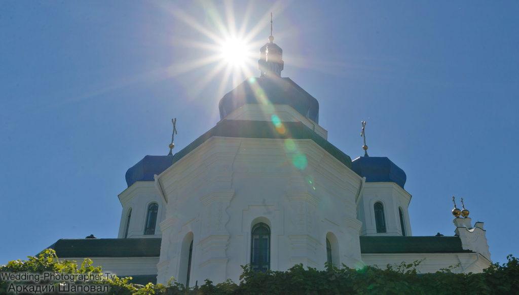 Свято-Троицкий Храм на Троещине)