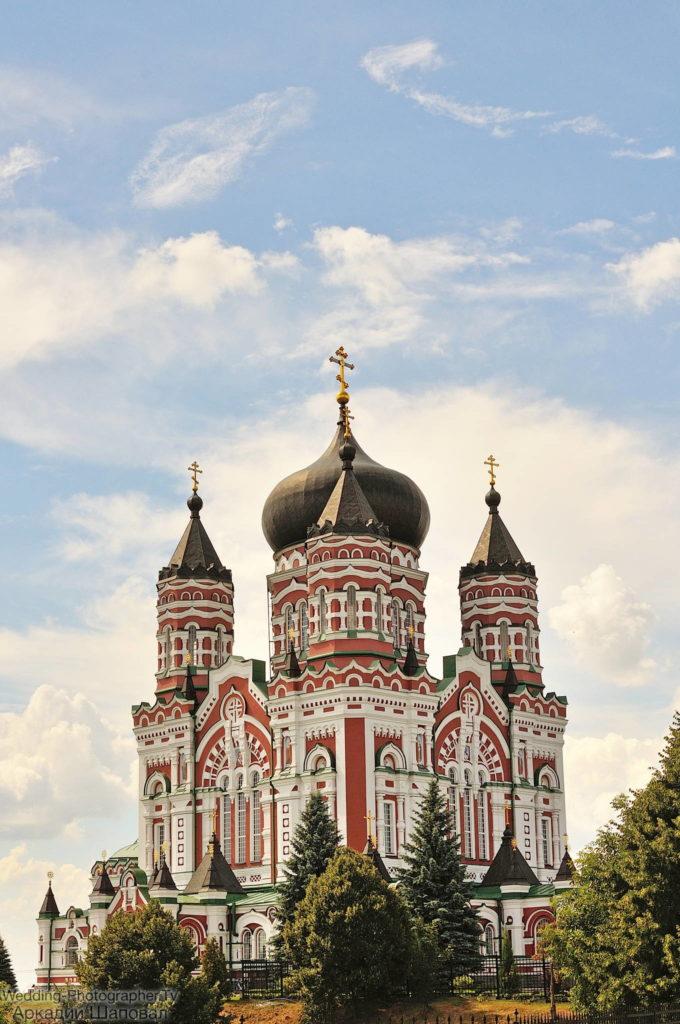 в храме женского Свято-Пантелеймоновского монастыря