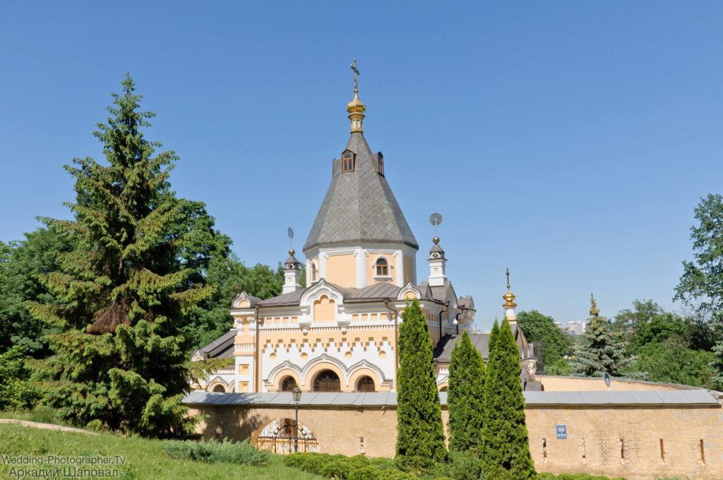 Крещение в церкви Живоносного Источника Киево-Печерской лавры