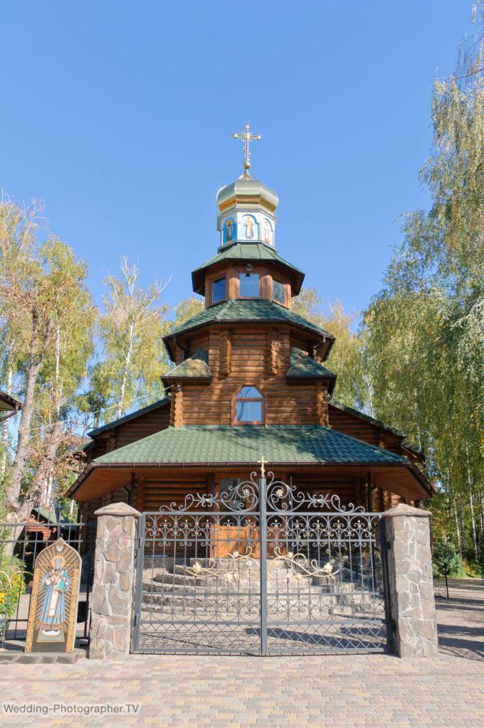 Крещение ребенка в храме святителя Иоасафа Белгородского