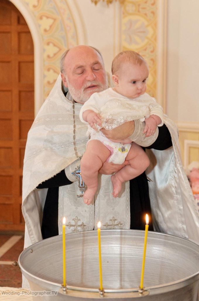 Крещение в храме Входа Господня во Иерусалим